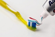 How to Brush Your Teeth Correctly image